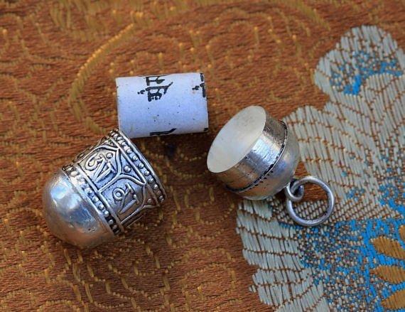 Tibetan mantra charms prayer box