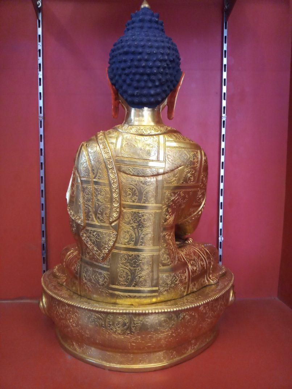 Shakyamuni Buddha Full gold back view