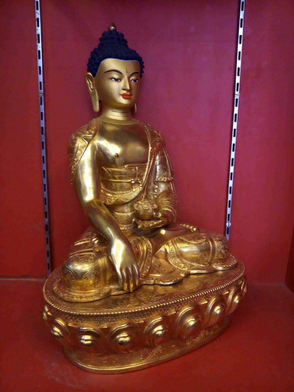 Shakyamuni Buddha Full gold side view 1