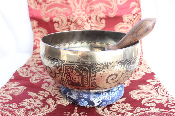 Tibetan Bowl Love Knot