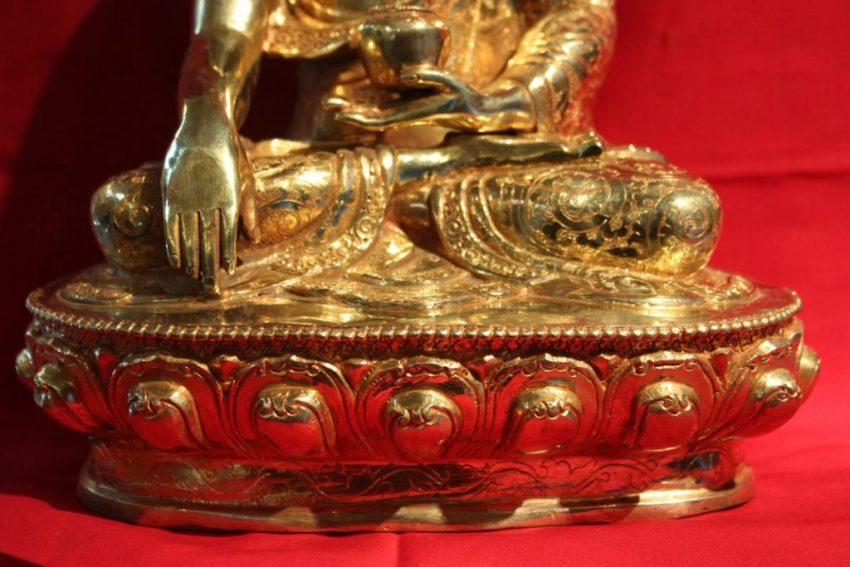 Shakyamuni Golden Buddha Statue deco altar