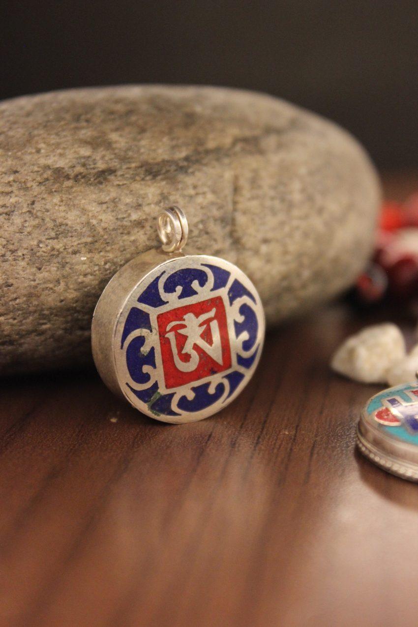 Tibetan Om mantra charm
