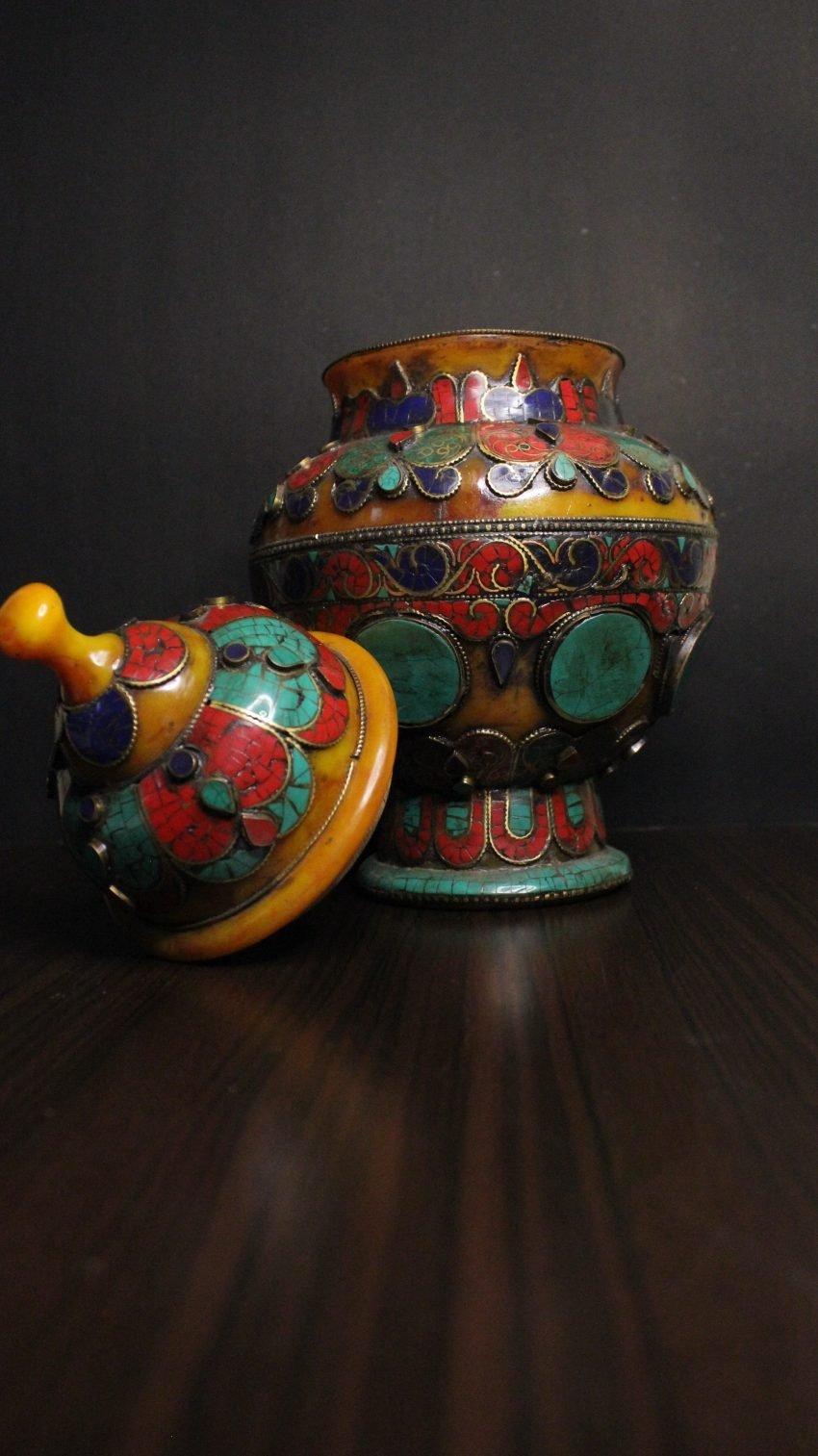 stonepaste amber vessel